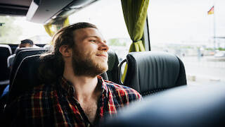 Mann im Bus - neu